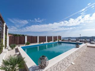 Villa with pool for 16 people, Dubrovnik