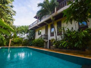 Andaman Residences - Beautiful Baan Bua Villa, Nai Harn