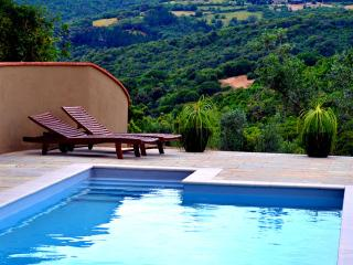Casa Bernardino Farmhouse with Pool and Panorama, Campiglia Marittima