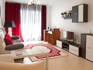 Beautiful and Comfortable Apartment with A/C, Benidorm
