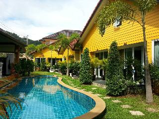 Lemon Tree Resort & Pool Villa Naiharn Phuket, Nai Harn