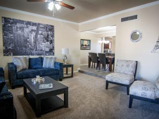 Hampton House-Completely Remodeled! All New!, Tucson