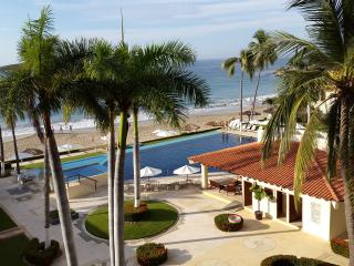 Beach Side Apartment Near the Marina, Ixtapa