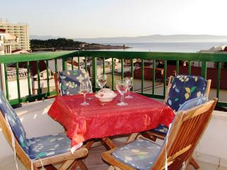 Beachfront Apartment A4 with amazing seaview, Makarska