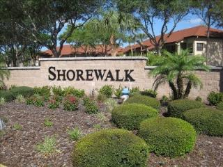 Shorewalk Condo, Newly Decorated w/lake view, Bradenton