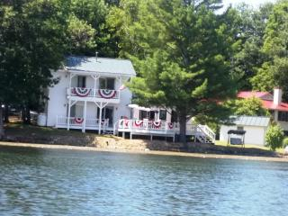 Spectacular Water Views From Every Room ~ Directly On Lake Hortonia, Vt., Brandon