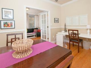 10 Minutes to Times Square - 2 Bedroom/2Bath