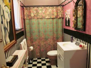 Birds & Bees Suite at the B&B: 2 bdrms & 2 baths, Suttons Bay
