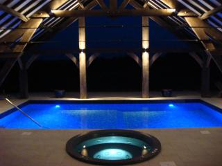 LES GRANDES LANDES RETREAT, POOL, SAUNA, HOT TUB, Jumilhac-le-Grand