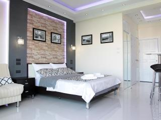 Deluxe studio with balcony 7 floor, Pattaya