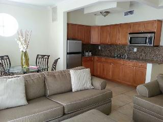 HBR801-Newly Renovated 1/1 Overlooking Beach, Boardwalk, and Atlantic Ocean, Hollywood