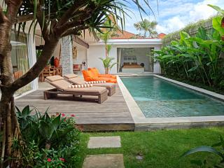 Villa Astaga - brand-new, modern and luxurious, Seminyak