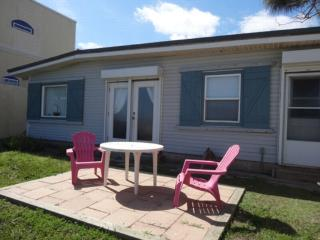 Cottage by the Sea  Directly on the bay front!, Port Isabel
