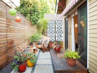 PDX Eco Cottage Guest House, Portland