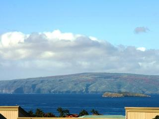 Daytime view of Molokini and Kaho'olawe from your lanai at Wailea Ekolu Village 607
