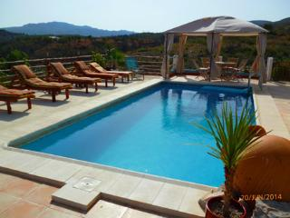 Villa Rio Magro, Modern, Spacious, Private pool,, Bunol
