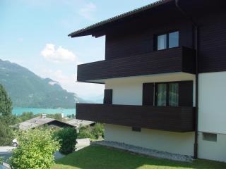 Stunning lake view - 2 double bed apartment, St Gilgen