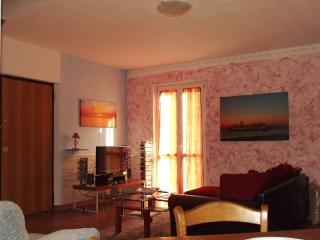 Luce Stellata - Merope holiday home with garden, Podenzana