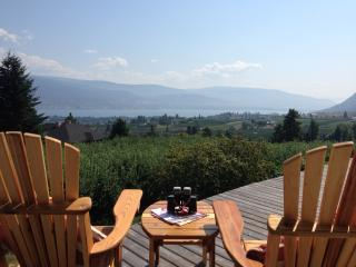 The Viewpoint Suite-Sweeping Orchard and Lake View, Summerland