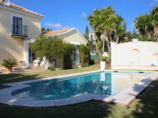 Lovely1B Beach Garden Cottage Marbella Coast +Pool