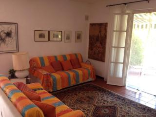 Four-room apartment with private garden, Finale Ligure