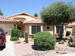 East Grandview 3 Bed 2 Bath & Private Heated Pool, Scottsdale