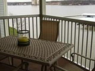 Regatta Bay - 3 Br-3 Bath -Water Front - Sleeps 6, Lake Ozark