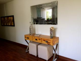 Newly remodeled 1/1 apartment across to Larcomar, Lima