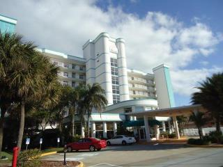 Great Oceanfront Resort For Family Fun in The Sun!, Cocoa Beach