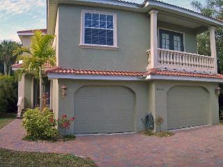 Well appointed canal front home, Siesta Key