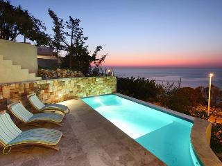 Atlanta 2 bedroom beachfront apartment, Camps Bay