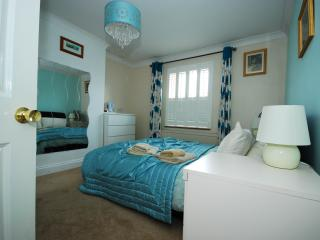Windsor, England: Catherine Villas 2 Bed House