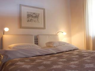 (2) Spacious Studio Apartment in the very centre of Salzburg, Salzburgo