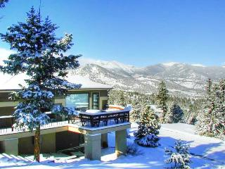 The Kinney at Windcliff: Panoramic RMNP Views, Borders Park, Hot Tub, Wildlife, Estes Park