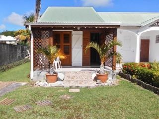 Charming, island-style house in Saint François, Guadeloupe, with colourful garden, Saint-François
