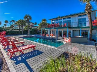 9 Driftwood - Oceanfront  w/  Large 15 x 34 Pool., Hilton Head