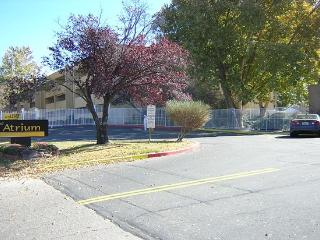 2 Bedroom Great Location Small Gated Community, Albuquerque