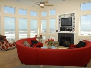 Oceanfront 8-BDRM/Bath, Pool & Hot Tub, Corolla