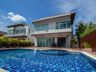 Andaman Residences - Chalong Sea View Villa