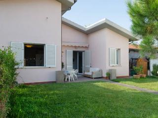 Charming villa on the tuscan coast garden  Maremma, Grosseto
