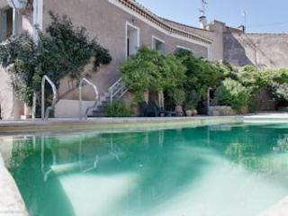 Nezignan l'Eveque holiday gite in France with pool, Pezenas