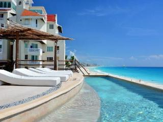 Beach Front 2 Suite Cancun Plaza