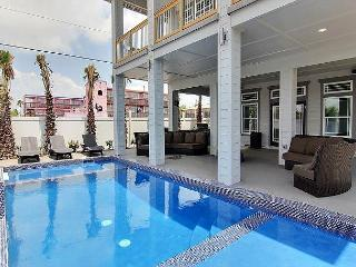 Chrome Beach, 4bed/6bath, PRIVATE POOL, Granite Countertops, sleeps 10, Port Aransas