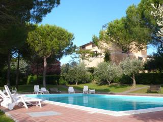 Residence La Villa: Apartment with swimming pool, Montescudaio