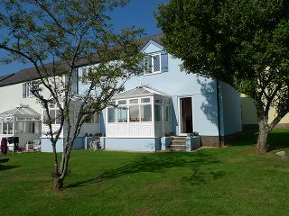 Holiday Home - The Malt House, Ivy Tower Village, St Florence, St. Florence