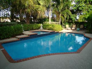 Luxury Tropical Paradise - Heated Salt Water Pool, West Palm Beach