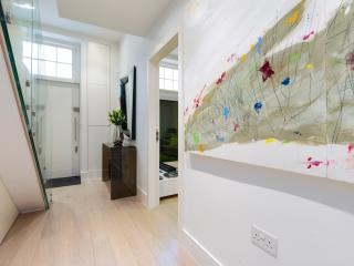 From £80/pp - Central Mews House Conversion, Londres