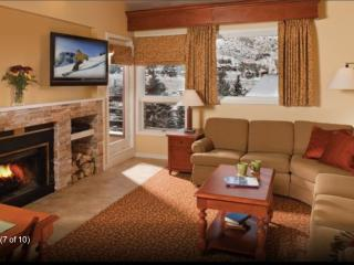 Luxury Marriott condo ~ 2 full bathrooms ~Sleeps 6, Vail