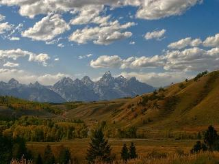 Aspens Huckleberry Condo with a View - Great Location to Enjoy Jackson Hole!, Wilson