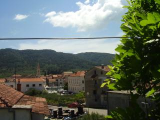 Pharos - apartment for 3 persons 150 m from the sea, Stari Grad